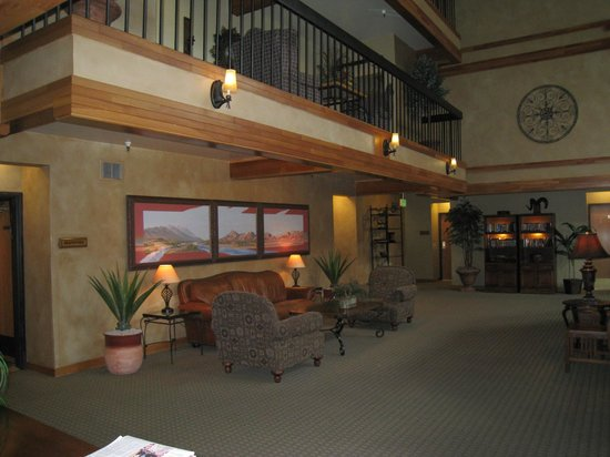 Park Plaza Resort: Part of the Lobby