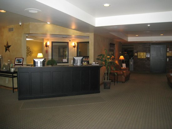 Park Plaza Resort: Check in Desk
