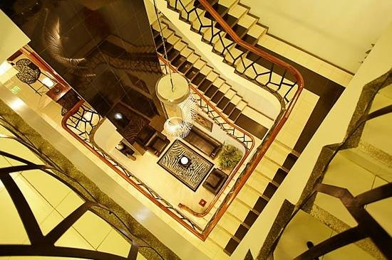 Holiday Plaza Hotel: View from my room of the hotel stairs.