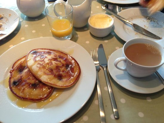 Quidhampton Mill Bed & Breakfast : Deliciosas tortitas recién hechas