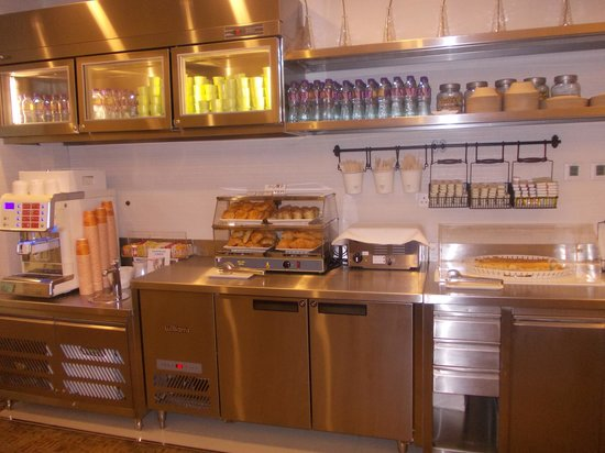 iclub Wan Chai Hotel: hotel regal I club - sala colazione - self service