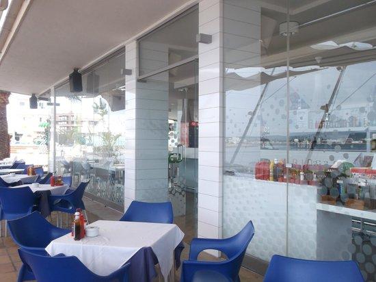 Playa Bella Apartamentos: one of the dining areas ..always clean