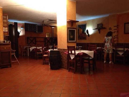 Piemonte : Inside the Restaurant!