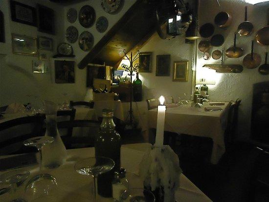 La Cantinetta di Rignana: Interior charm