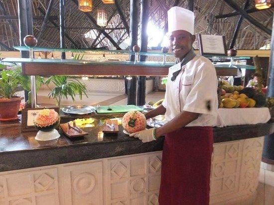 Southern Palms Beach Resort: Fruit during dinner.