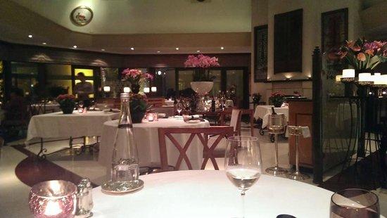 Seasons Restaurant: Inside dining at Seasons.