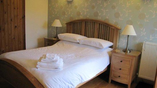 Henllys Estate Bed & Breakfast: Guest suite at Henlly Estate