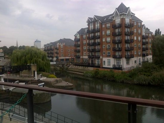 Holiday Inn London - Brentford Lock: View from my room