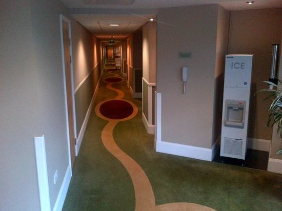 Holiday Inn London - Brentford Lock: 1st Floor Corridor