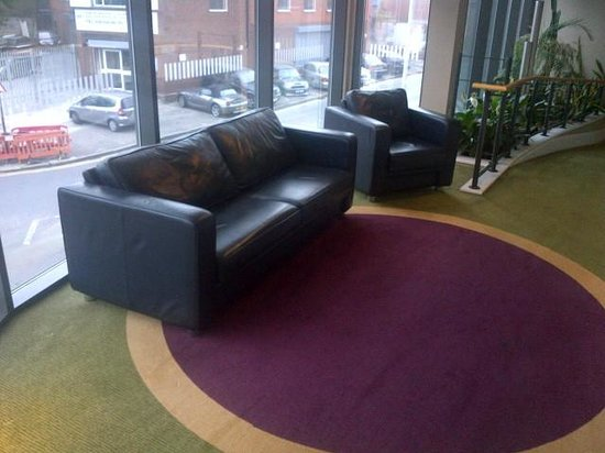 Holiday Inn London - Brentford Lock: Chill out area