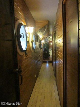 Chambre d'hotes Peniche MIRAGE : l'accès aux cabines