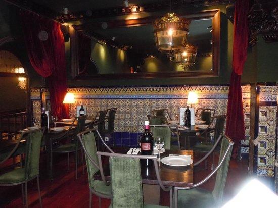 Viva Madrid Restaurante: Interior