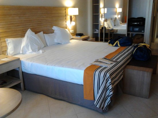 Barcelo Punta Umbria Beach Resort: Amplia habitacion