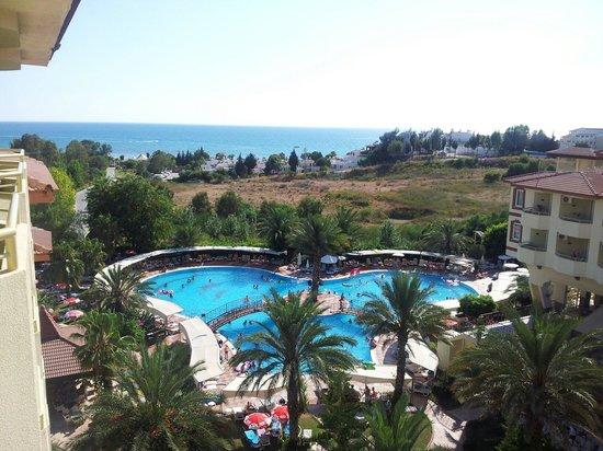 Nova Park Hotel: Pool :)