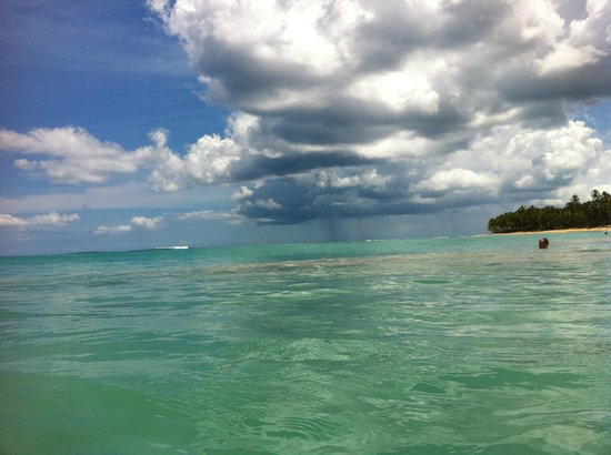 Excellence Punta Cana: storm a brewin