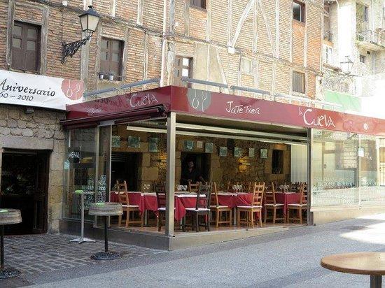 La Cueva: Outside the restaurant
