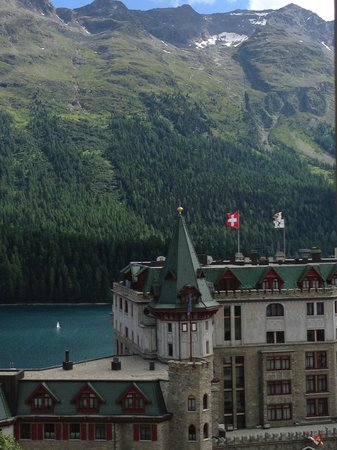 Hotel Eden Garni St. Moritz: View from Superior Lake View room