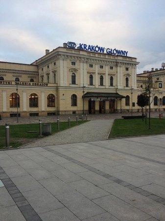 Ascot Hotel : Krakow Station