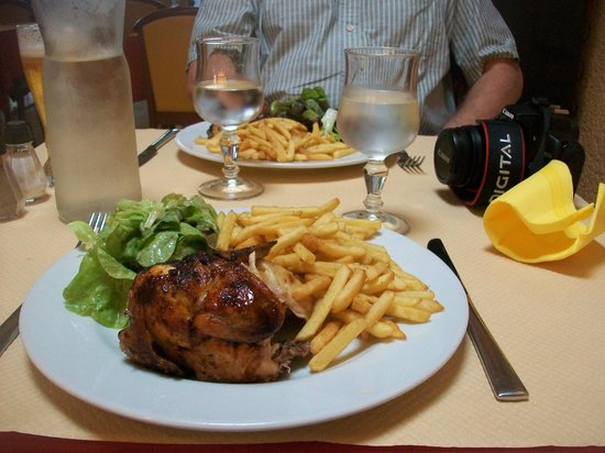 L'Alzou: Roast chicken and chips.... value!!