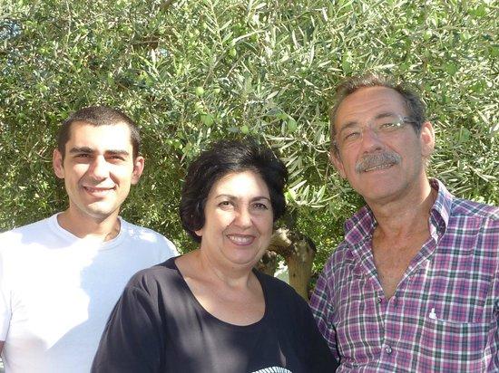 Graniti, Italia: el equipo del Uliveto Grill