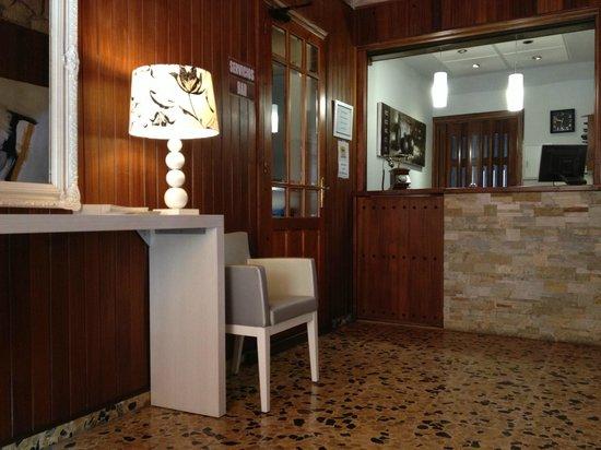 Hotel Marrodan: RECEPCION
