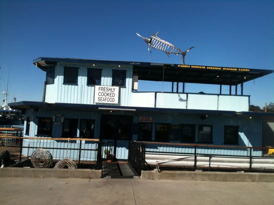 Skippers Floating Eatery: Outside view