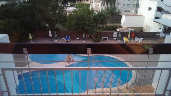 Apartamentos Cala Llonga Playa: view from our room