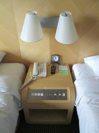 Carlton Hotel Singapore: Room