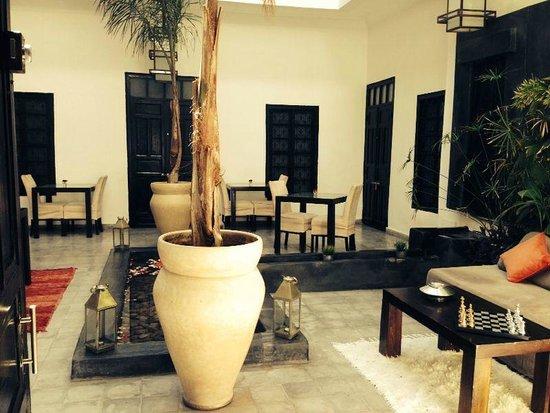 Riad Villa Wenge: Hall