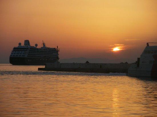 Artemis Hotel: Amazing sunsets