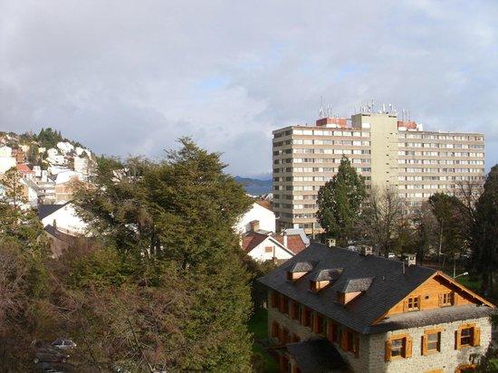Kenton Palace: Vista do quarto 02