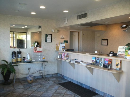 Quality Inn - Flagstaff / East Lucky Lane: Reception