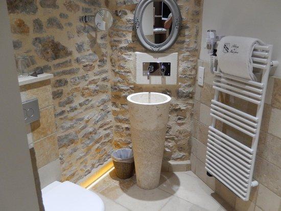Abbaye de Maizières : Renovated Bathroom
