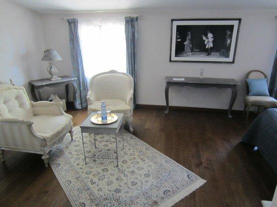 Domaine de Rhodes : Sitting area