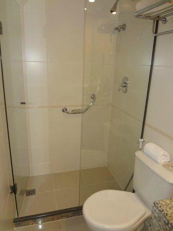Bourbon Barra Premium Residence: Banheiro