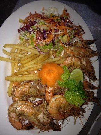 Serena Villa Restaurant: prowns