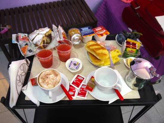 B&B City Life Rome: Le petit déjeuner !