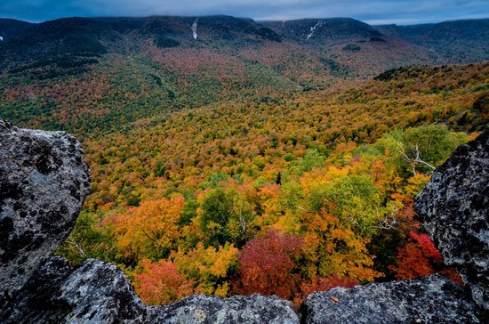 Johns Brook Lodge : Fall Colors in the Johns Brook Valley