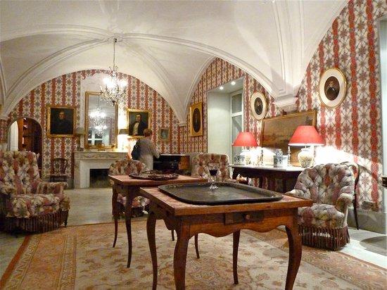 Le Château de Saint-Siffret : Chateau de Saint Siffret - Sitting Room