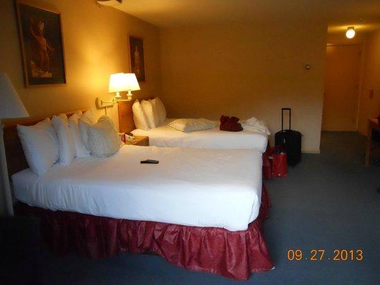 Indian Head Resort : Two queen beds