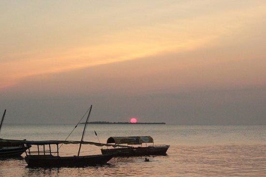 Livingstone Beach Restaurant : Sunset