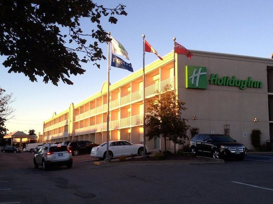Holiday Inn Peterborough : Front of hotel