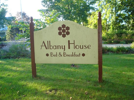 Albany House 사진