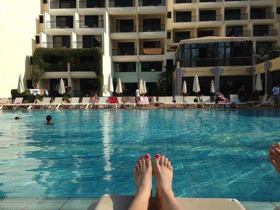 Argana Hotel: Вид на выход к бассейну