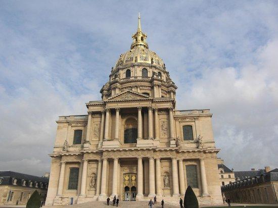 พิพิธภัณฑ์ทหาร: Les Invalides     Place des Invalides