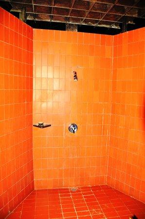 Toraja Heritage Hotel: outside shower