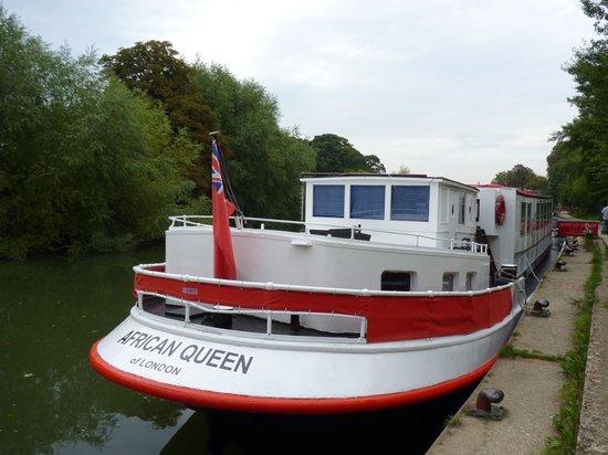 African Queen: Beautiful Boat
