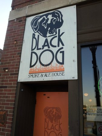 Black Dog Smoke & Ale House: Black Dog