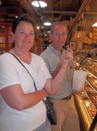 Philadelphia Chocolate Tours: taste testing