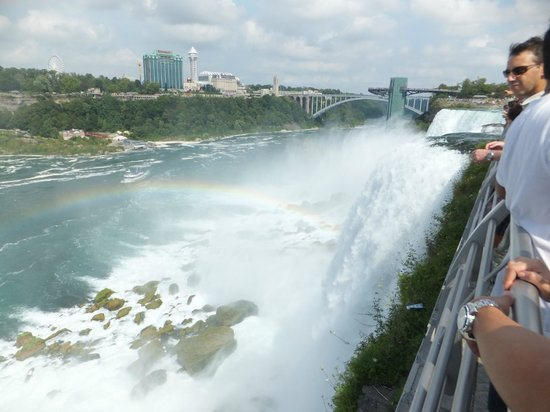 Hampton Inn Niagara Falls: Another view of falls